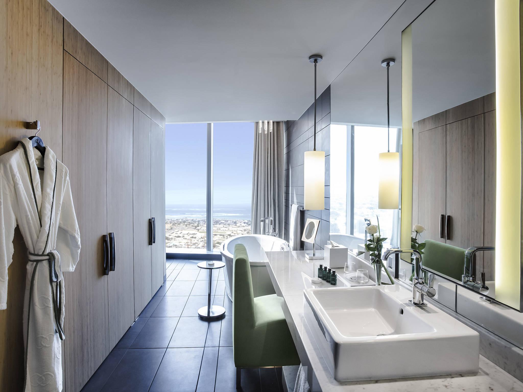 Hotel - Sofitel Dubai Downtown
