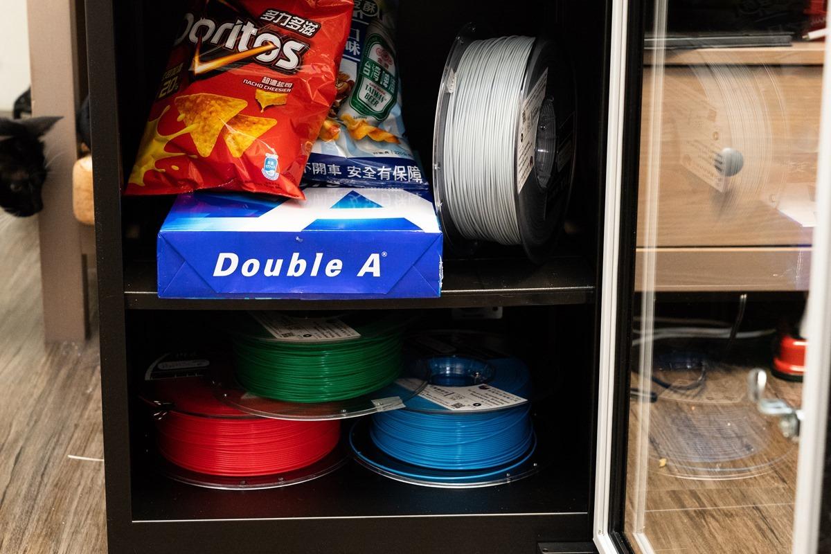 省電控濕、超高效率,『收藏家』AX-126 防潮箱讓昂貴電器與名牌包包永遠擺脫發霉惡夢 @3C 達人廖阿輝