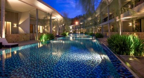 hotel neo sentul pool