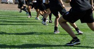 Atleti ai testi atletici durante i raduni.