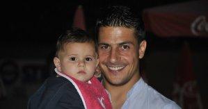 Gianluca Manganiello e suo figlio.