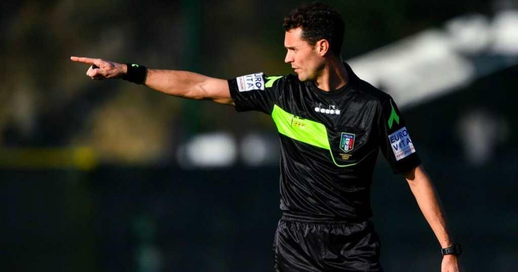 Matteo Gariglio immortalato durante una sua direzione di gara.