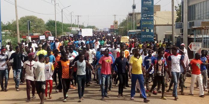 Burkina : Des populations manifestent au Sahel contre la récurrence des attaques terroristes