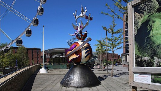 John Lennon Peace Monument, Liverpool