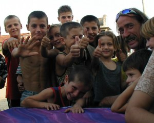 Kids in Bathorë