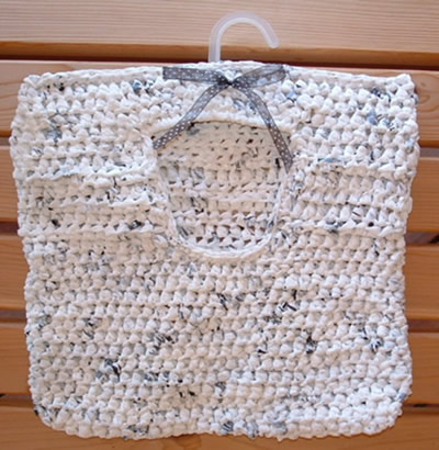 Peg bag made of recyced plastic pags