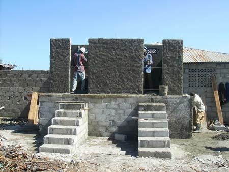 dry composting latrine