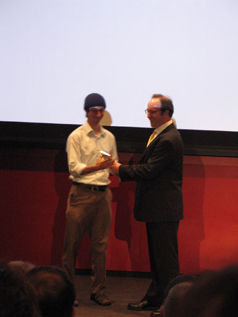 Shawn Frayne receives one of Popular Mechanics' 2007  Breakthrough Award for his Humdinger Windbelt
