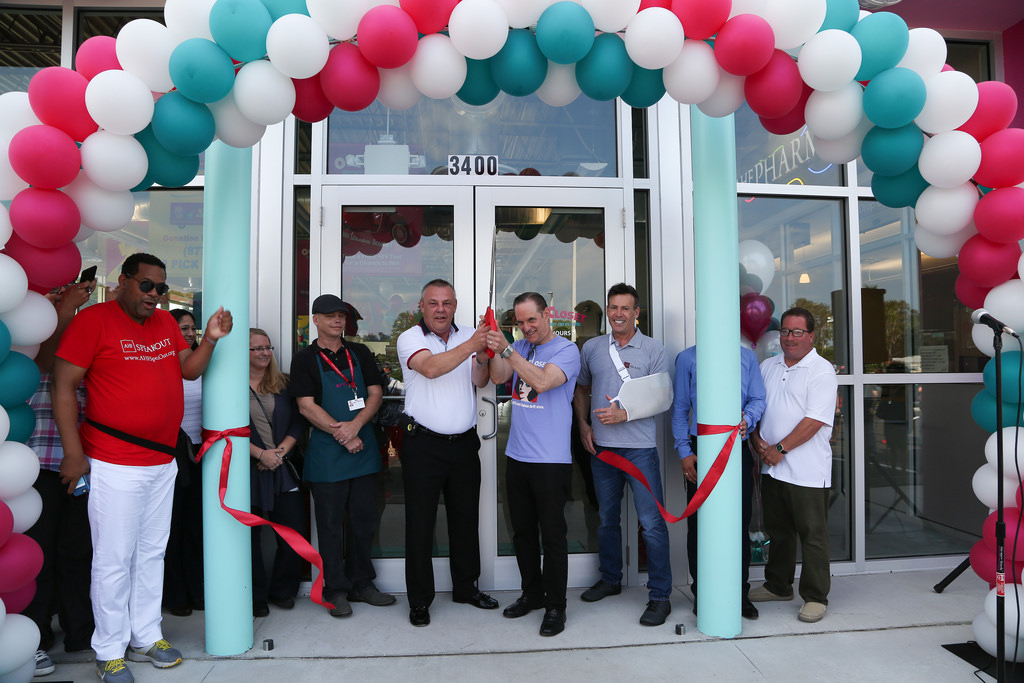 'Out of the Closet' Thrift Store Opens in St. Petersburg, FL