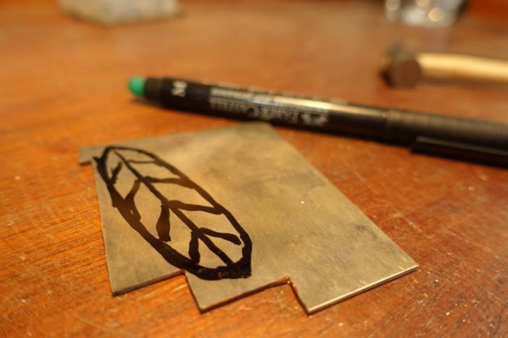 彫金でシルバーフェザーペンダントの作り方