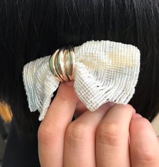 ビーズを使って織物を織る