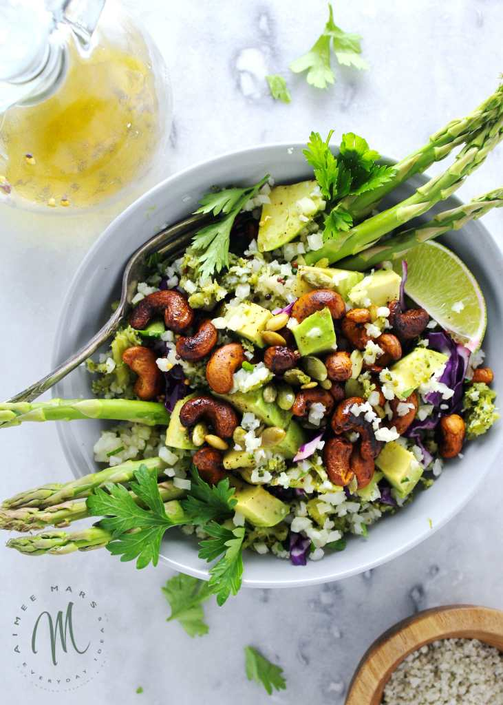 This Broccoli & Cauliflower Spring Salad is void of any lettuce and thus very un-salad like, but filled with healthy paleo and bulletproof ingredients | via @aimeemarsliving | #BroccoliSalad #Paleo #Bulletproof #Spring Salad