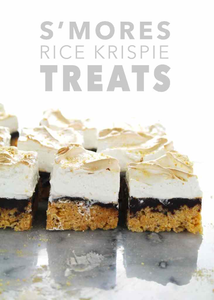 S'mores anything makes summer time amazing, but combine them with rice krispie treats and the whole world just got a little happier | via @AimeeMarsLiving | #S'mores #RiceKrispieTreats #Marshmallows