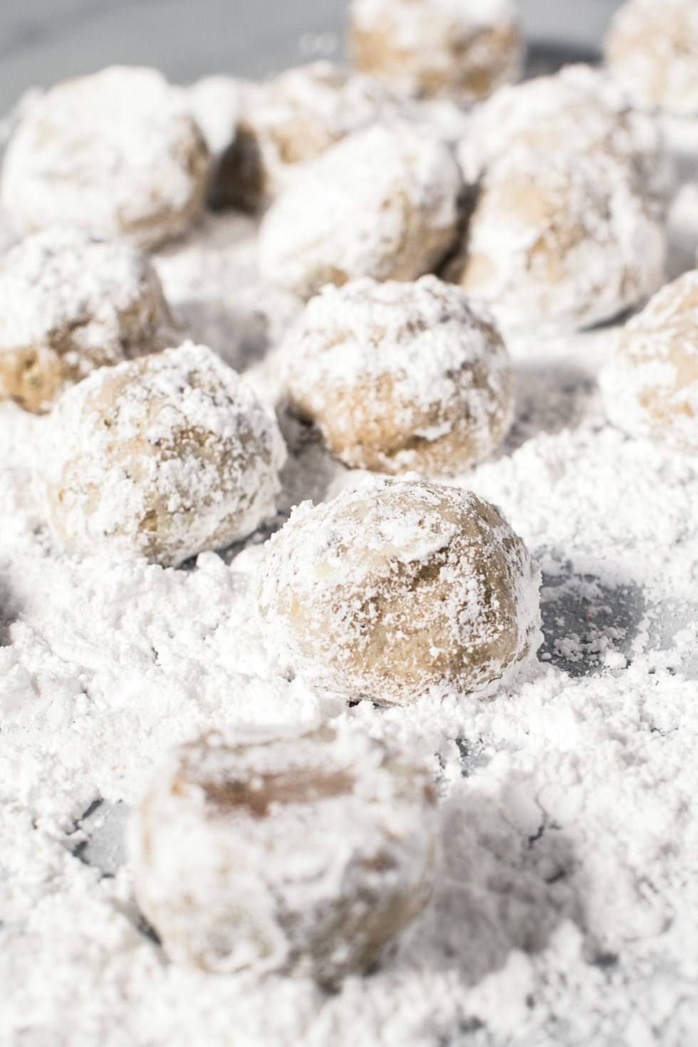 cookies in powdered sugar