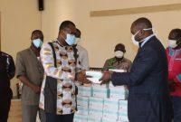 Lutte contre le coronavirus au Togo : AIMES-AFRIQUE fait don de 10000 masques de protection au SYNPHOT