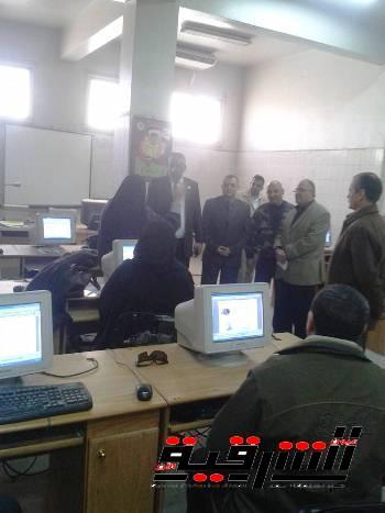 القوى العاملة تنظم دورة تدريبية للموظفين في برنامج الـ