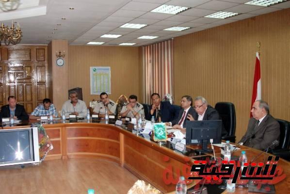 محافظ الشرقية يعقد إجتماعاً موسعاً لمتابعة تنفيذ الأعمال بكوبرى شرويدة بمدينة الزقازيق