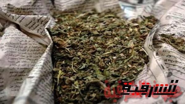 القبض علي عاطل طوخ أبوكبير بالبانجو والخرطوش