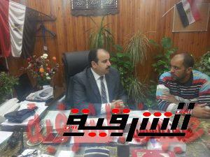 وكيل وزارة الصحة يتحدث للزميل صلاح فؤاد