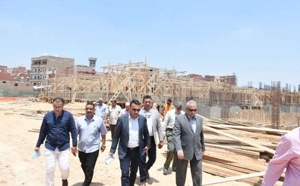 محافظ الشرقية يتفقد أعمال إنشاء المستشفى العسكري بمنطقة الزراعة بمدينة الزقازيق