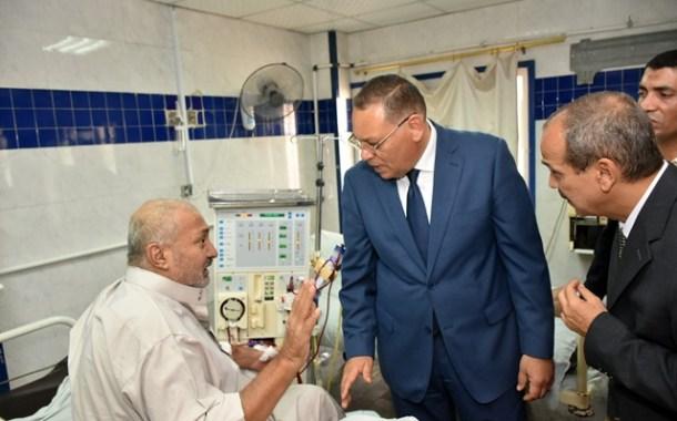 بالصور..محافظ الشرقية يستمع لشكاوي مرضي التأمين الصحي بمستشفى المبرة
