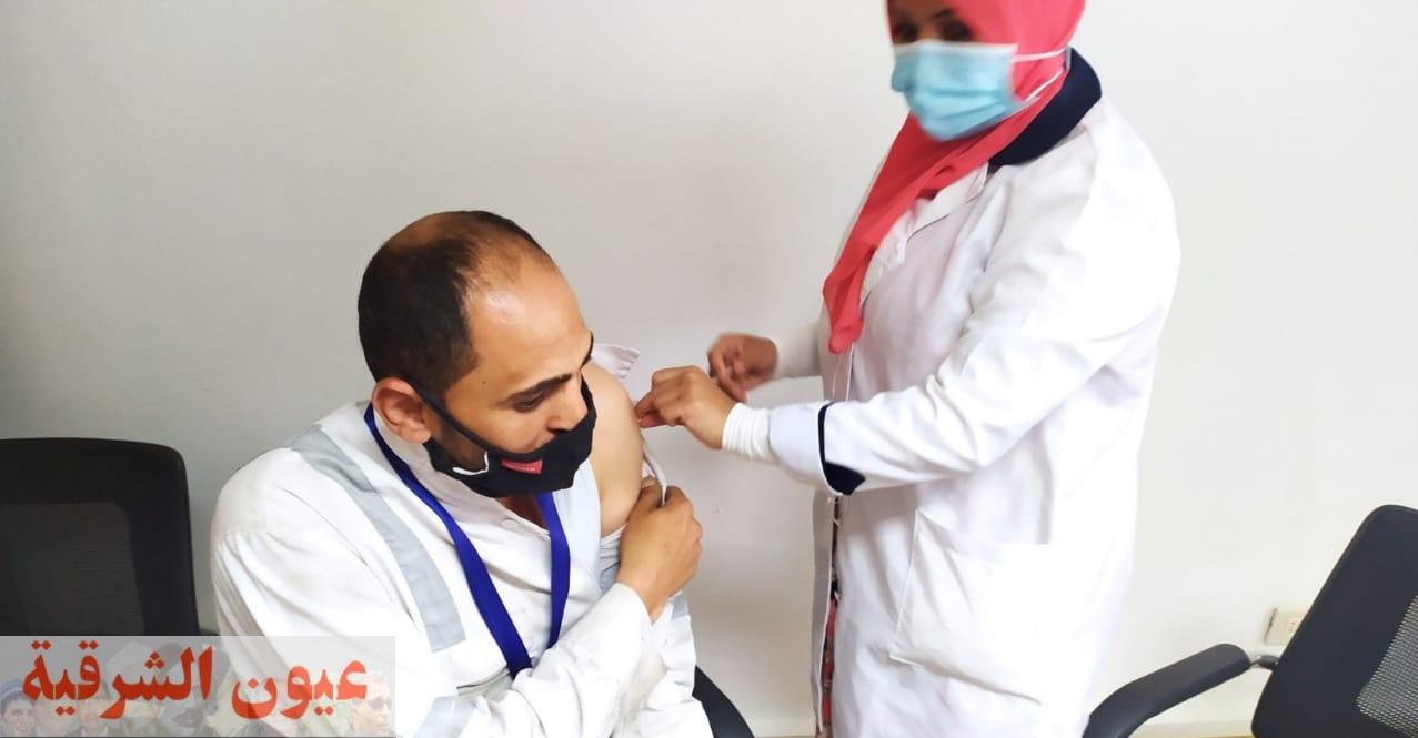وكيل وزارة الصحة بالشرقية : فرق متنقلة لتطعيم العاملين بمصانع العاشر بلقاح كورونا