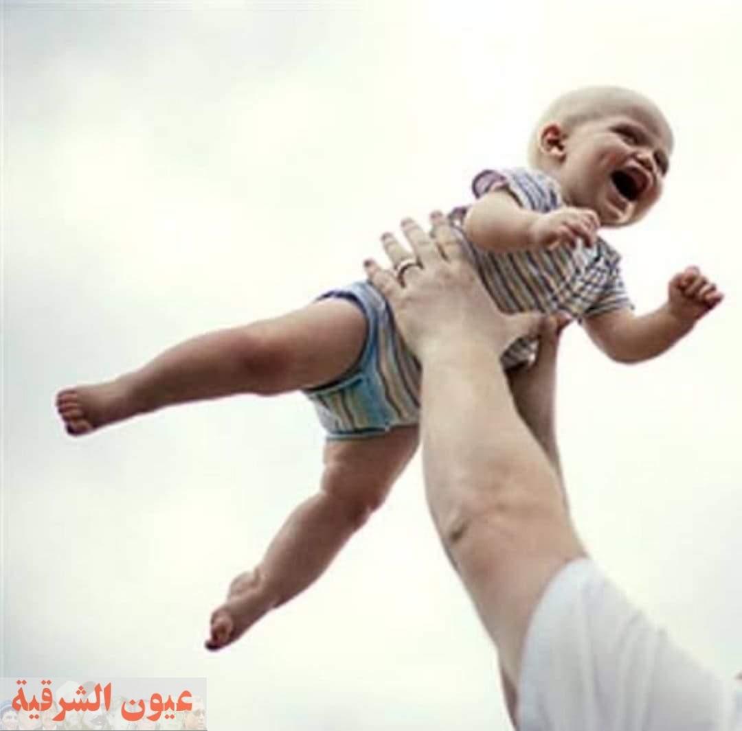 هز الطفل الرضيع وماله من عواقب ضارة
