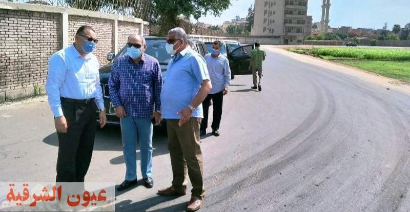 محافظ الشرقية يتفقد أعمال تغطية ورصف طريق خليج أبو حاكم بالزقازيق بتكلفة 6 مليون جنيه