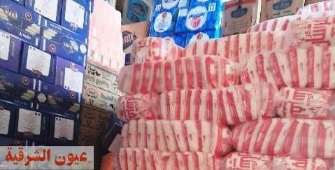 ضبط طن سكر و٦٠٠ كيلو مكرونه داخل أحد مخازن المواد الغذائية بدون ترخيص بالعاشر