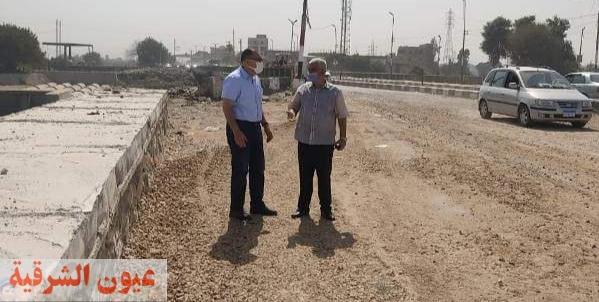 محافظ الشرقية يتفقد أعمال الرصف والتطوير الجارية بطريق أبو حماد / الزقازيق