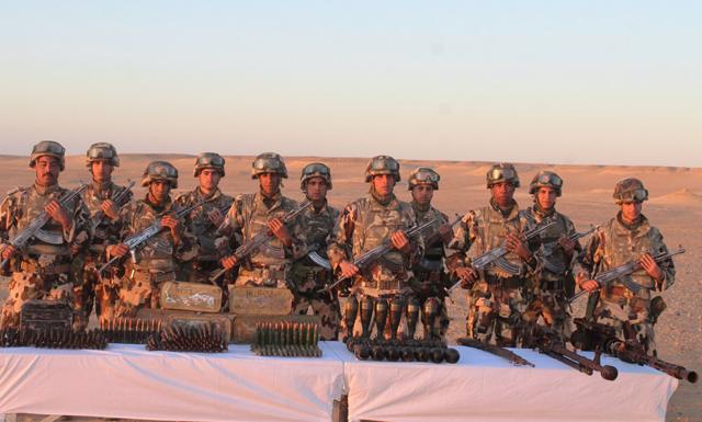 الجيش يكشف مخبأ للأسلحة والذخيرة بتمنراست