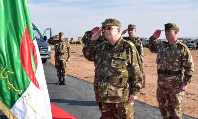 لفريق أحمد ڤايد صالح في زيارة عمل وتفتيش إلى الناحية العسكرية الأولى.