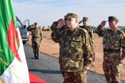 الفريق أحمد ڤايد صالح في زيارة عمل وتفتيش إلى الناحية العسكرية الرابعة بورقلة