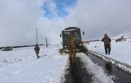 الجيش الوطني الشعبي  يتدخل لفك العزلة عن عدة مناطق بسبب تساقط الثلوج.