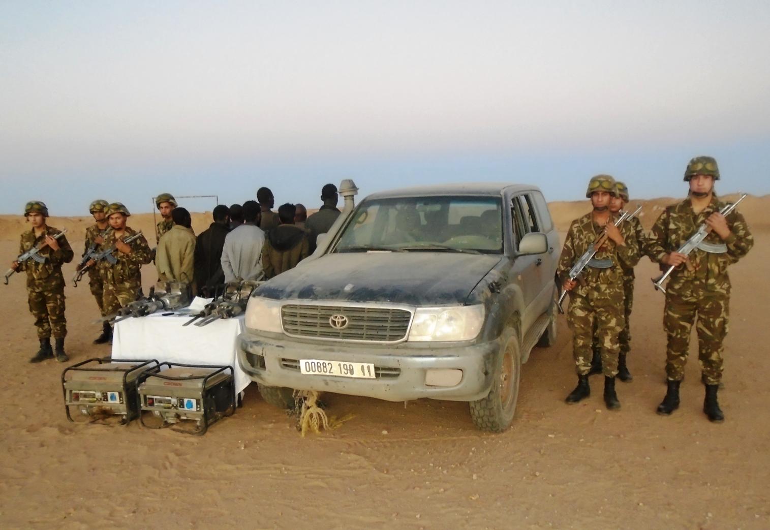 الجيش .. تدمير مخبأ للجماعات الإرهابية وقنبلة تقليدية قرب بلدية بني ميلك بتيبازة.
