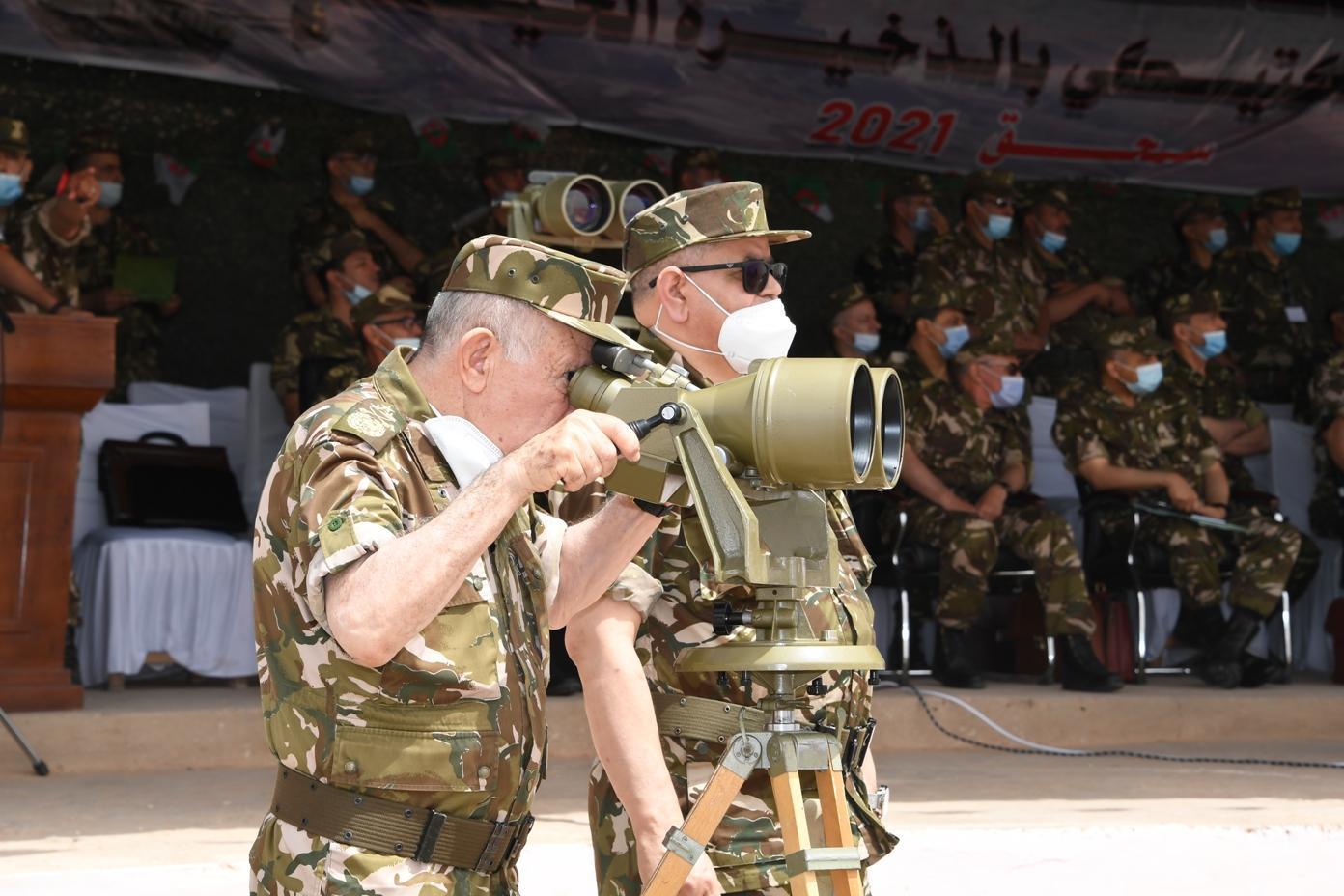الفريق السعيد شنڨريحة يشرف على تنفيذ تمرين تكتيكي بالناحية العسكرية الأولى