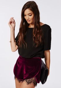 09-missguided-velvet-lace-trimmed-shorts-h724