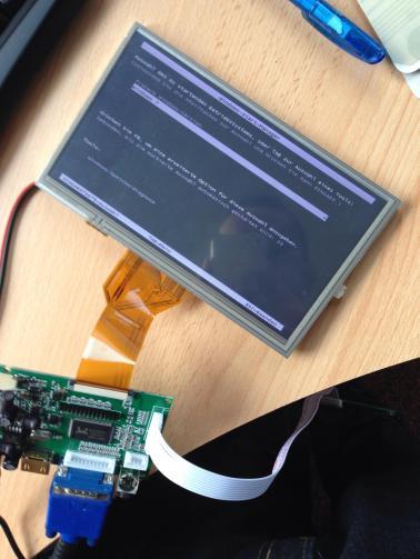 """7"""" LCD Touchscreen über VGA angeschlossen. Kostenpunkt: 65€/Stk"""