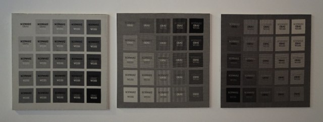 HANNS HERPICH - schwarz grau weiss - 2004 - polyester/jaquardgewebe - eigene technik - 66x68cm - 1-4/1