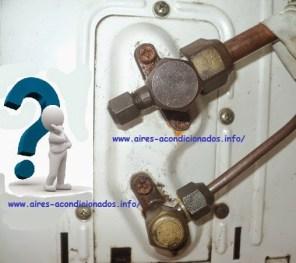 Que válvula abrir primero para liberar el gas refrigerante