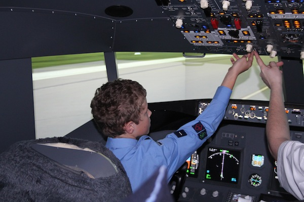 Cadets fly the Boeing 737-800 simulator