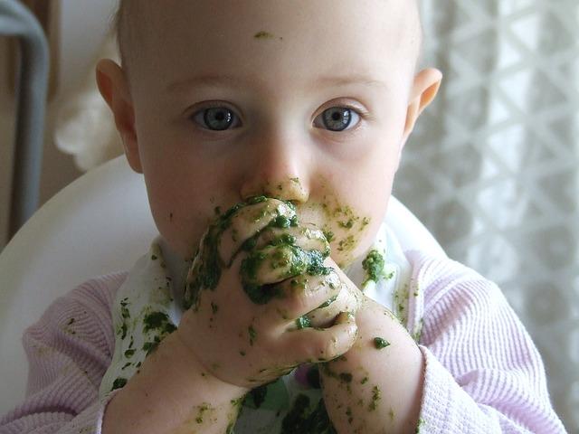 enfant qui mange lorsque vous serez parent
