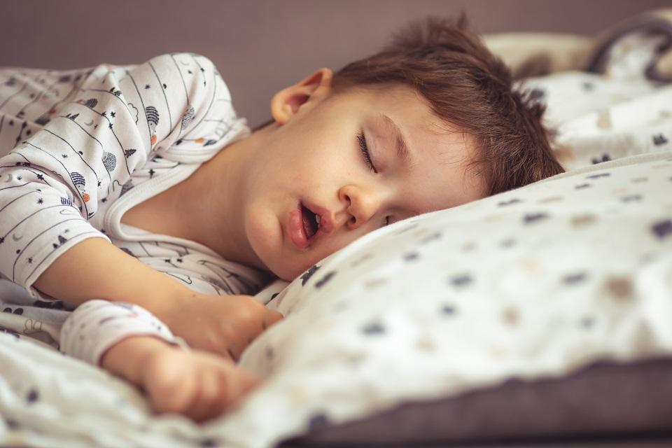 Les rythmes de sommeil chez l'enfant par tranches d'âges