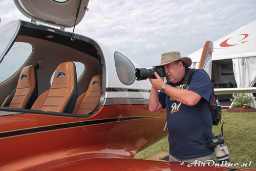 Photographing during the Oshkosh AirVenture 2013 (USA)