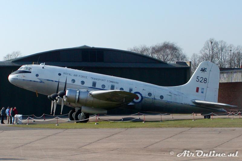TG528 Handley Page HP-67 Hastings C1A RAF Duxford IWM, 21 feb 2003