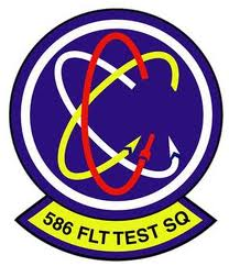 Embleem van het 586th FLTS