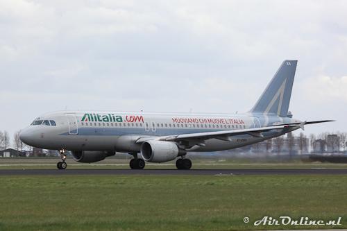 EI-DSA Airbus A320-216 Alitalia (Special c/s to promote Alitalia's website)
