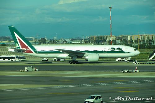 I-DISU Boeing 777-243ER Alitalia