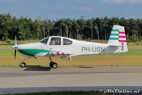 PH-USN Van's RV-10 na een high-speed taxi-run