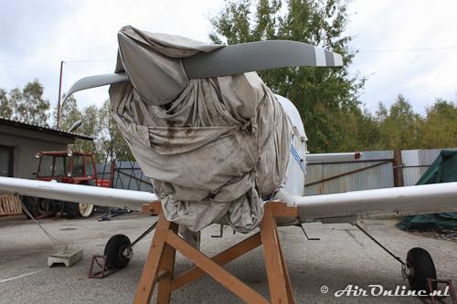 SP-IOO Piper PA-38-112 Tomahawk (met verbogen prop en zonder neuswiel)